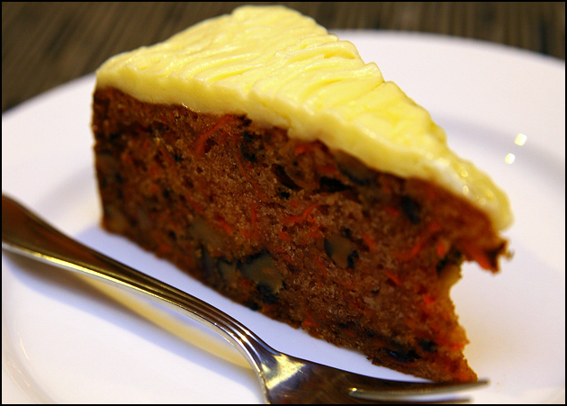 carrot-walnut-cake