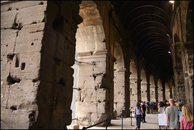 entering-colosseum