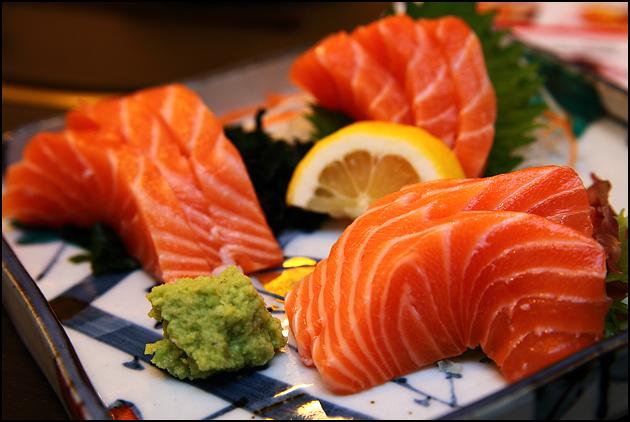 fresh-salmon-sashimi