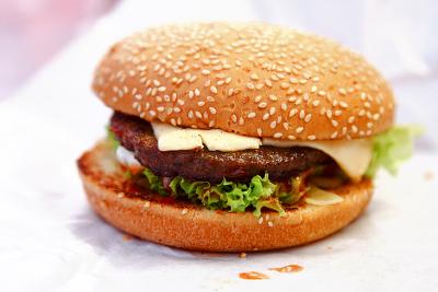 Quarter-Pounder-Cheeseburger
