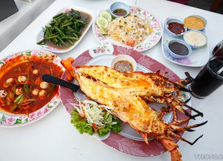 Hua Hin Night Market Lobster Dinner