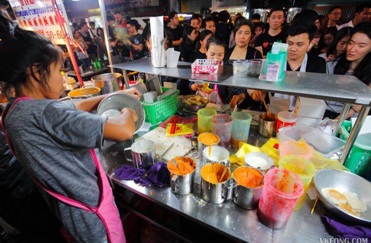 Tasty Toasted Bun Stall Bangkok Chinatown Yaowarat