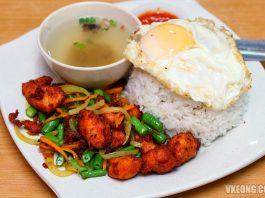 Mat-Rock-Nasi-Ayam-Goreng-Kunyit