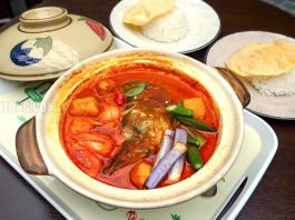 Malaysian Food Street Claypot Fish Head Curry
